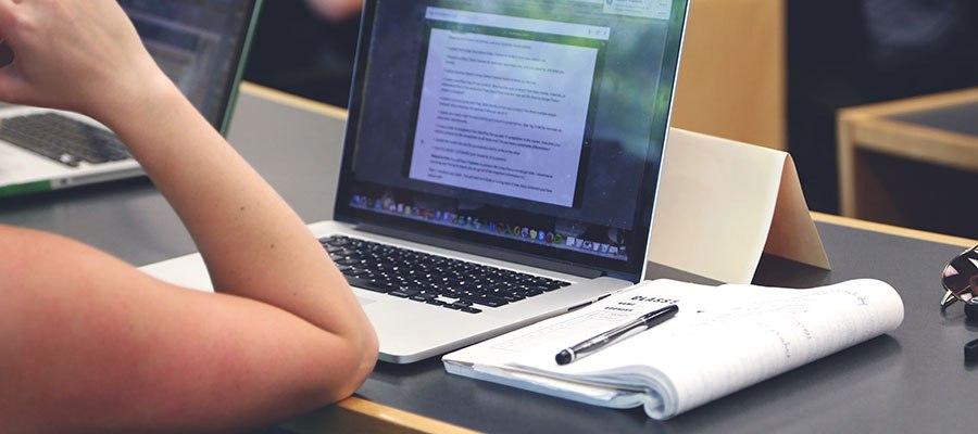 escribiendo articulos para un blog de negocio